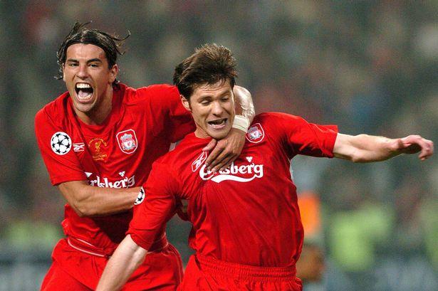 Xabi Alonso y Milan Baros, el Maradona checo (?) gritando el gol del empate.