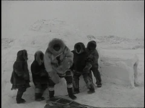 Cañón a la salida de la concentración firmando autógrafos a los niños, porque el tipo nunca dejó su humildad y siempre tuvo la cabeza y el culo fríos.