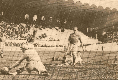 1938 - Brasil 4 x Suécia 2 - Gol de Romeu