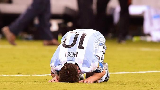 Ni rezando a La Meca Argentina es campeón.