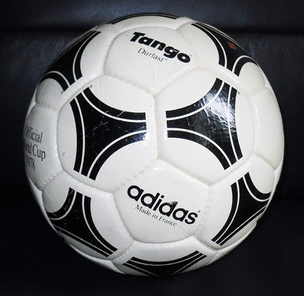 45aff97aeae0f A la pelotita. Telstar Durlast y Adidas Tango. – La Refundación