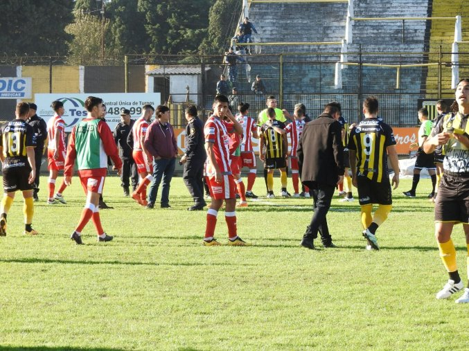 vs_Almirante_Brown_34_2016-17_13